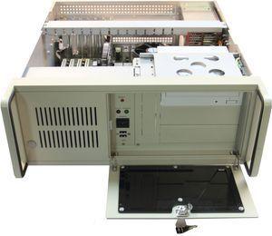 Промышленный компьютер Smartum Rack-4231 для 19'' стойки с поддержкой процессоров семейства Intel Core i7/i5/i3 3-го поколения.